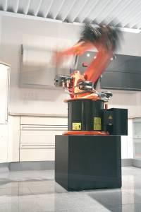 Robot Testib Kappe 15 Aasta Tarbeks